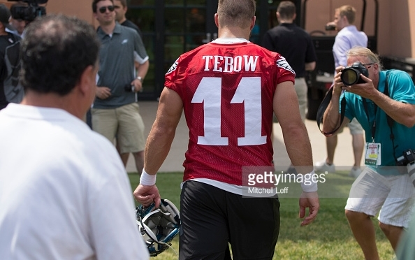 Philadelphia Eagles: Tim Tebow Possibly Starting a QB Controversy in Philly