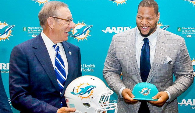 Miami Dolphins: The Mess in Miami, what's wrong in South Beach