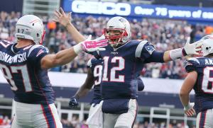 Brady and Gronk celebrate TD in 30-23 win over the Jets (Photo: David Silverman Patriots.com)