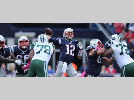 Brady fires away in 30-23 win over the Jets (Photo: David Silverman Patriots.com)