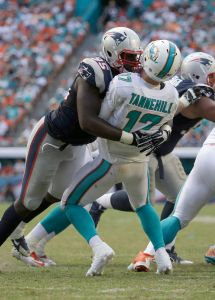 Chandler Jones leads the NFL in sacks with 9 1/2 after 8 games (Photo: NFL.com)