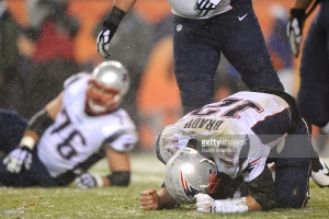 quarterback-tom-brady-of-the-new-england-patriots-reacts-to-a-play-picture-id499221526