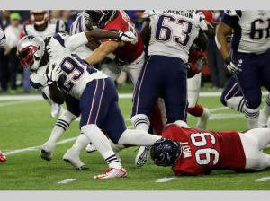 LeGarrette Blount was on his way to a big game before injuring his hip early (99 J.J. Watt) (AP Photo/David J. Phillip)