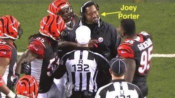 What was Joey Porter doing on the field in the middle of Cincinnati's players?(Photo: tagthebird.com)